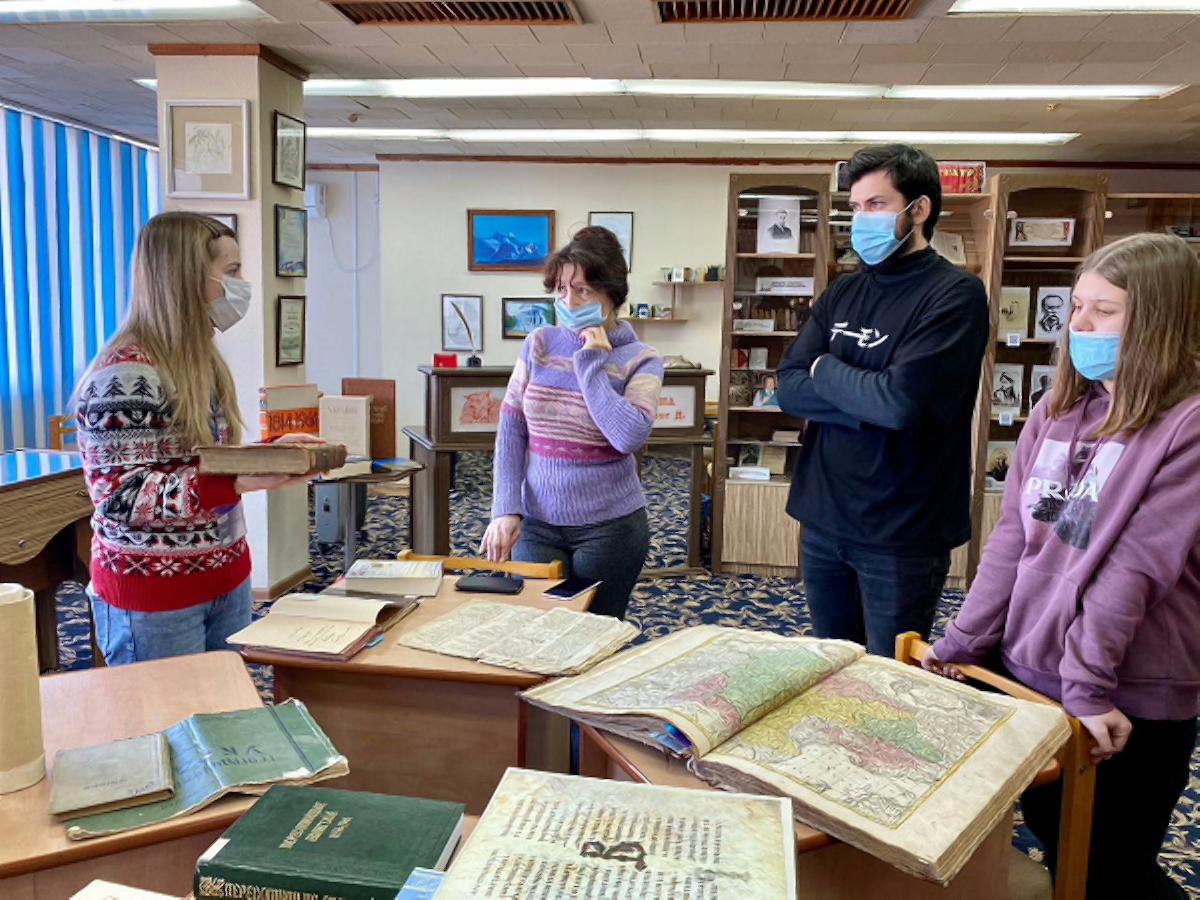 Херсонскую библиотеку посетили студенты-филологи