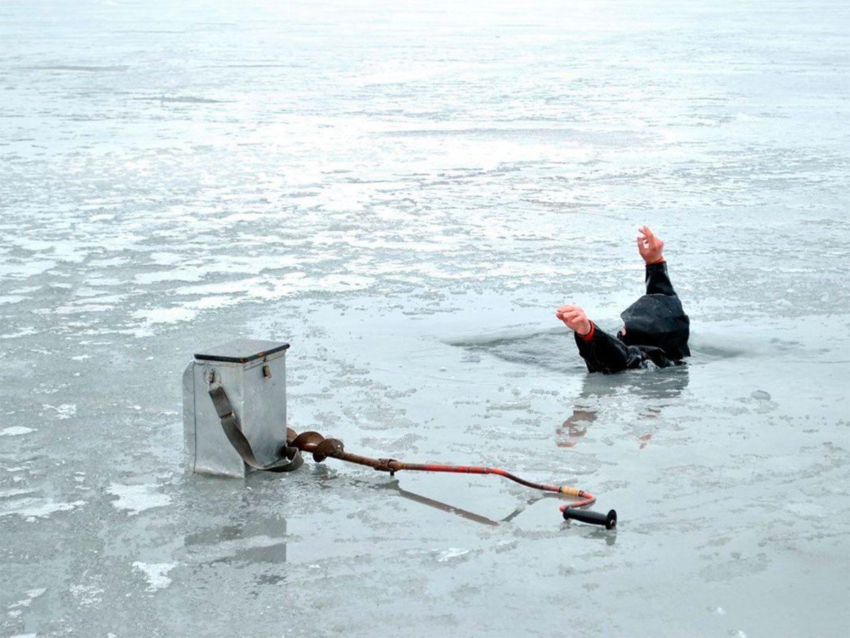 На Херсонщине рыболов сам себя спасал