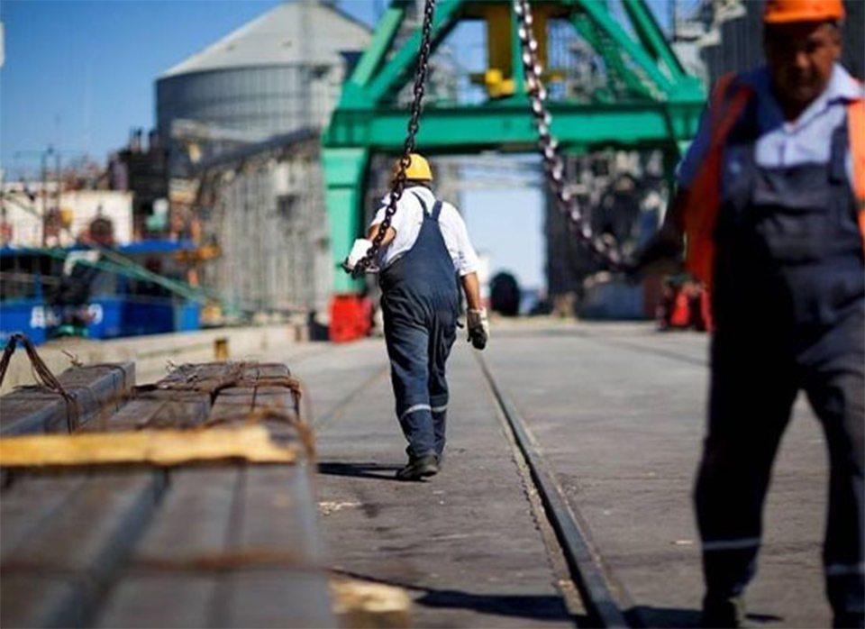 В порту Херсона покалечился грузчик