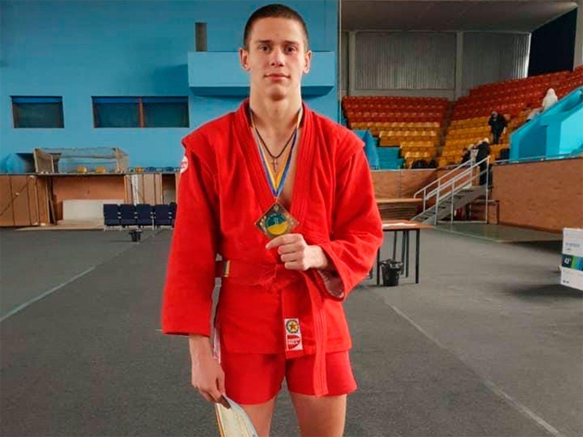 Студент ХДУ Владислав Савченко став чемпіоном України з бойового самбо