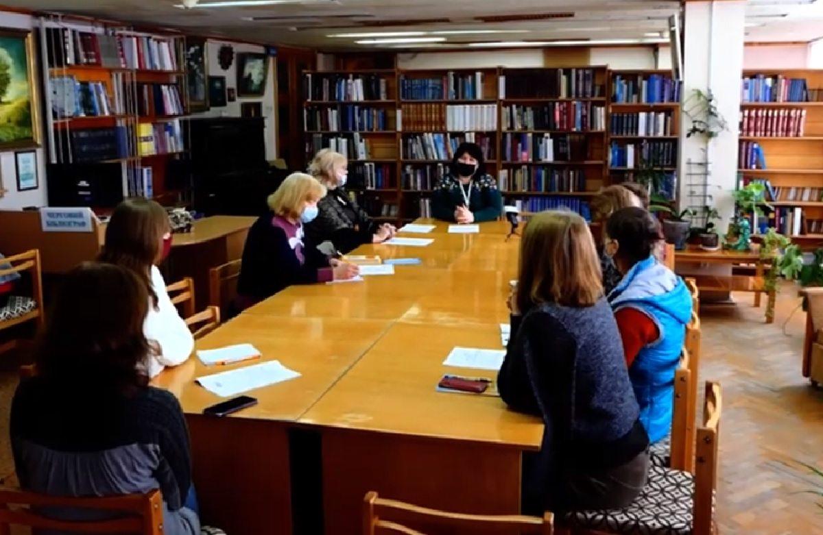 В херсонській бібліотеці відкрили курси з сучасної української мови