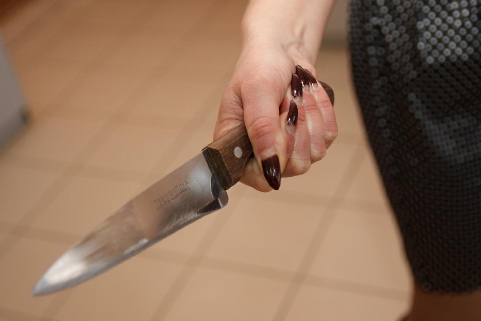 нож, раны, изрезала