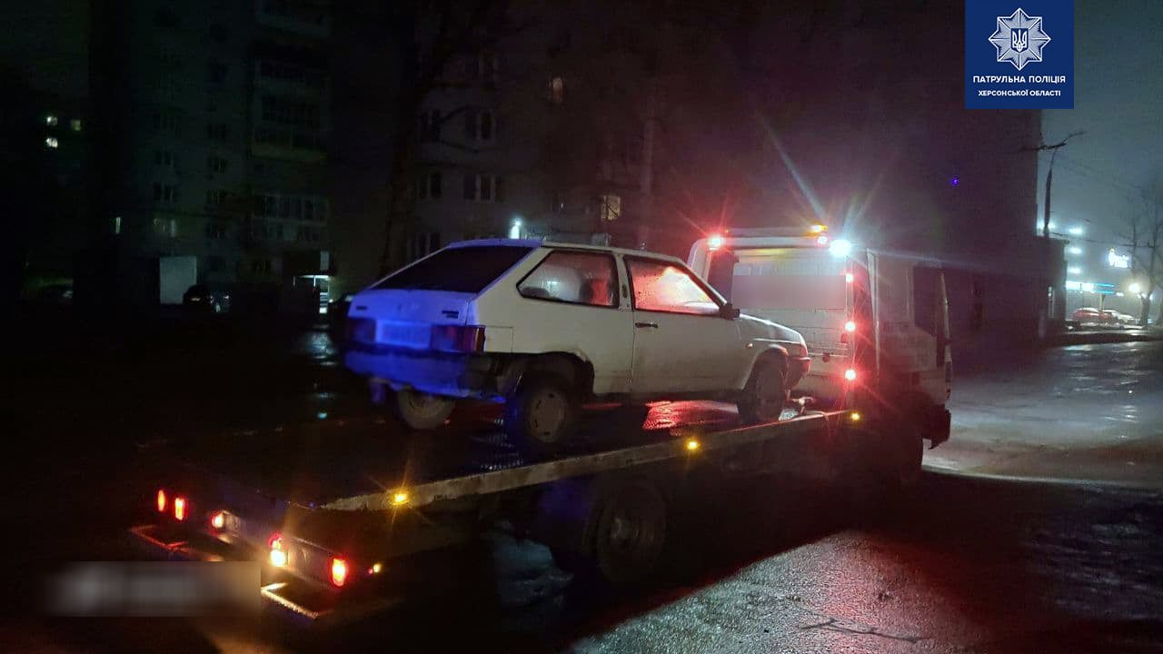 В Херсоне пьяный водитель пытался подкупить патрульных