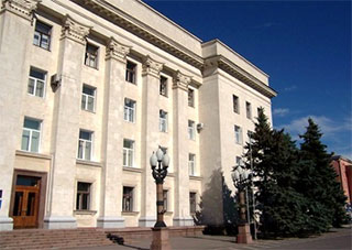 Яценюк наполягає на ліквідації облдержадміністрацій