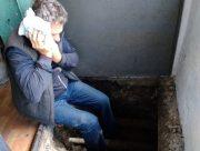 В Херсоне пенсионер с инсультом несколько часов пролежал в подъезде