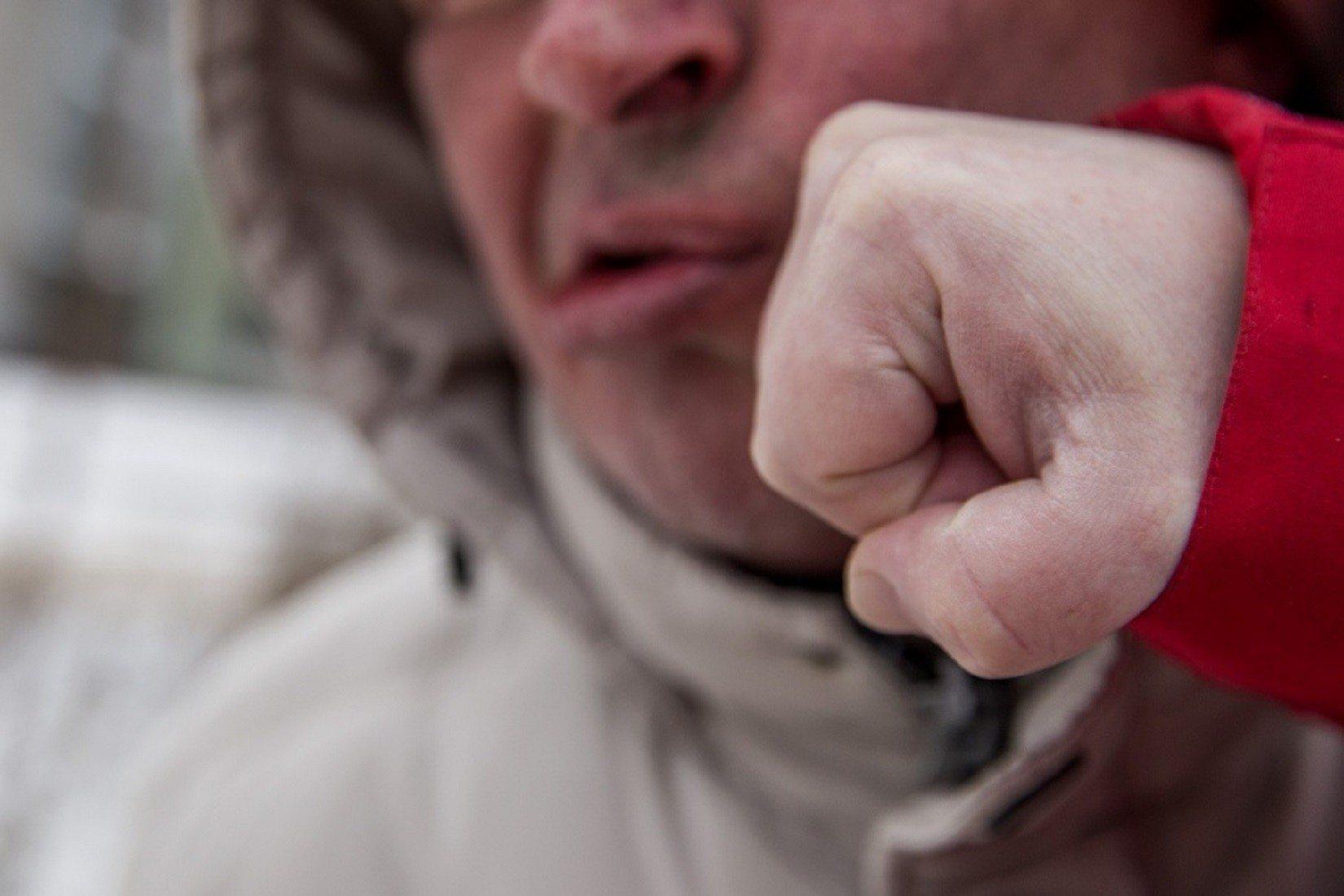 На Херсонщині селянин на цвинтарі забив знайомого до коми