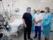 Боротьба з коронавірусом: Фонд Порошенка передав апарати штучної вентиляції легень київській «швидкій»