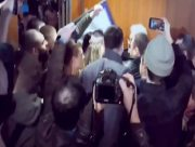 Националисты напали на Сергея Сивохо во время презентации платформы примирения с Донбассом