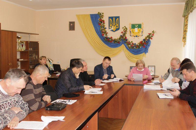 В Олешківському районному бюджеті відшукують кошти на допомогу медикам