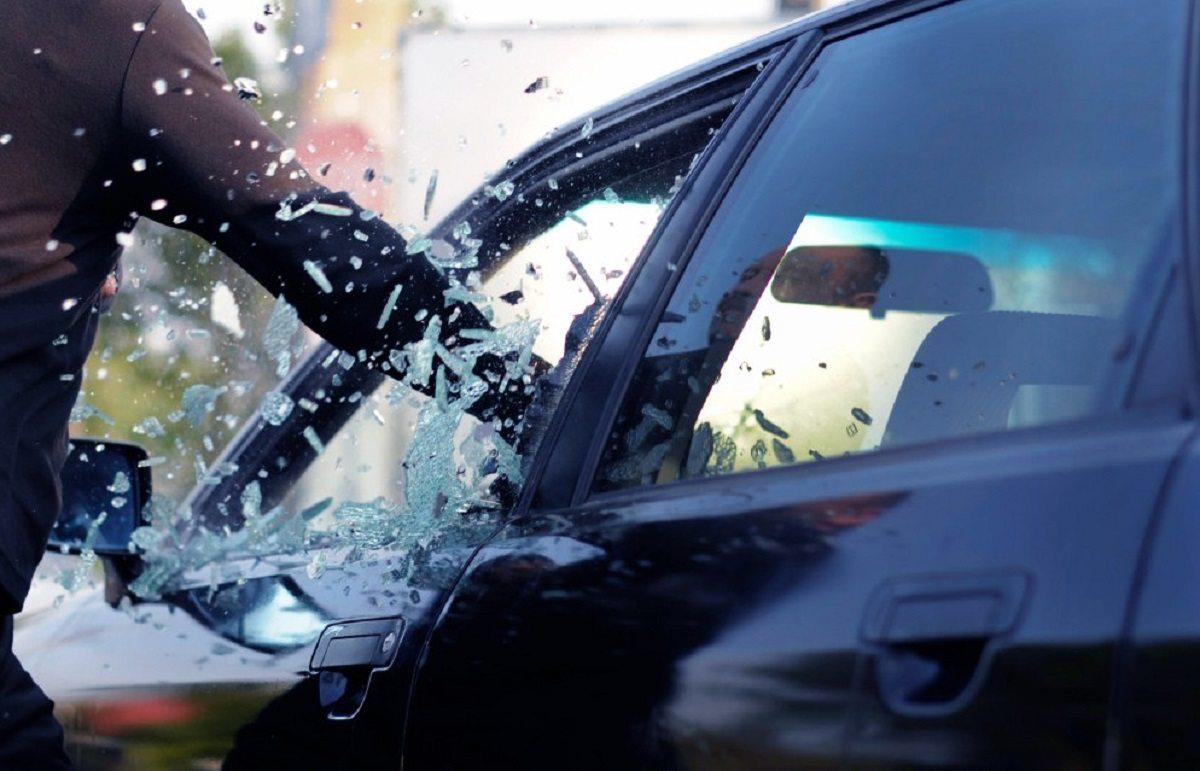 авто, вікно, крадіжка