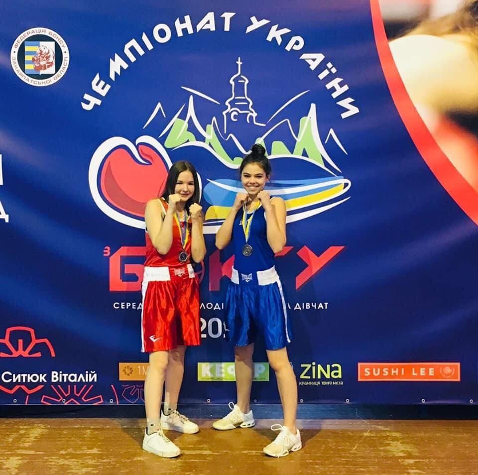 Херсонские девушки привезли шесть бронзовых медалей с чемпионата по боксу