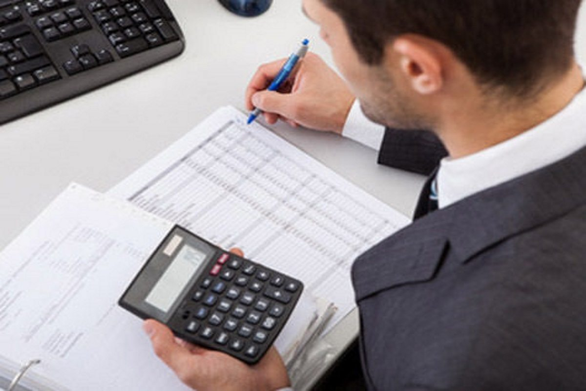 борги, податки, підприємці