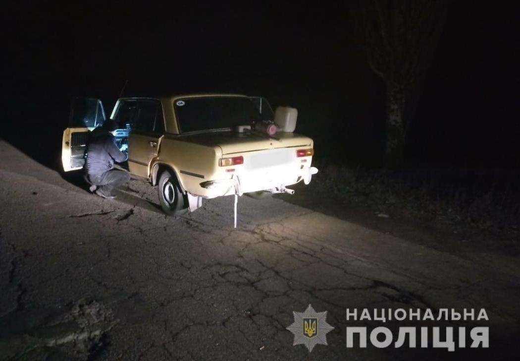 На Херсонщині автовикрадач влаштував нічні перегони з поліцією