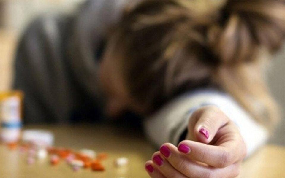 таблетки, школьница, отравление