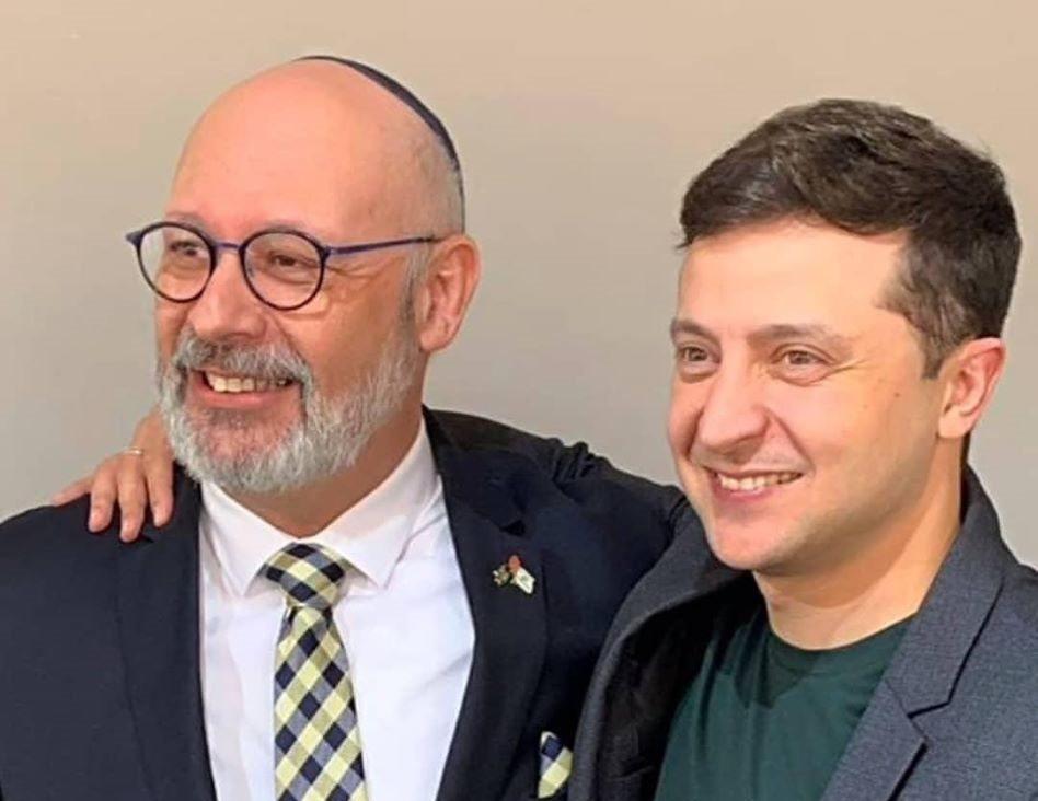 В связи с попыткой поджога синагоги в Херсоне Посол Израиля хочет услышать чиновников Украины