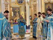 В Херсоне на Благовещение служба прошла в пустом из-за карантина кафедральном соборе