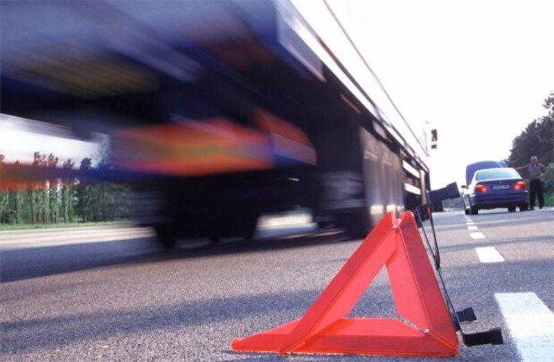 На Херсонщине пешеход угодил под грузовик и чудом выжил