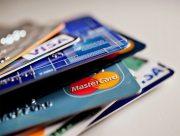 Банки продлят на три месяца карты, у которых заканчивается срок работы