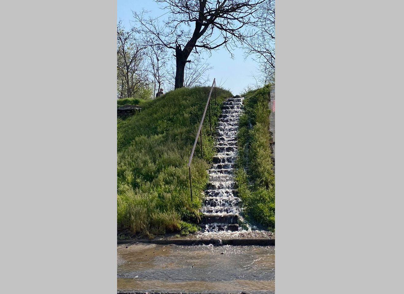 водопровод, авария, мост, водопад
