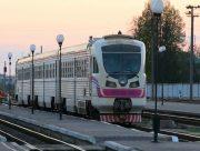 Медиків Херсонщини будуть безкоштовно підвозити на роботу поїздами