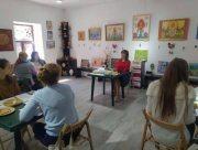 В Херсоне прошёл мастер-класс по росписи писанок