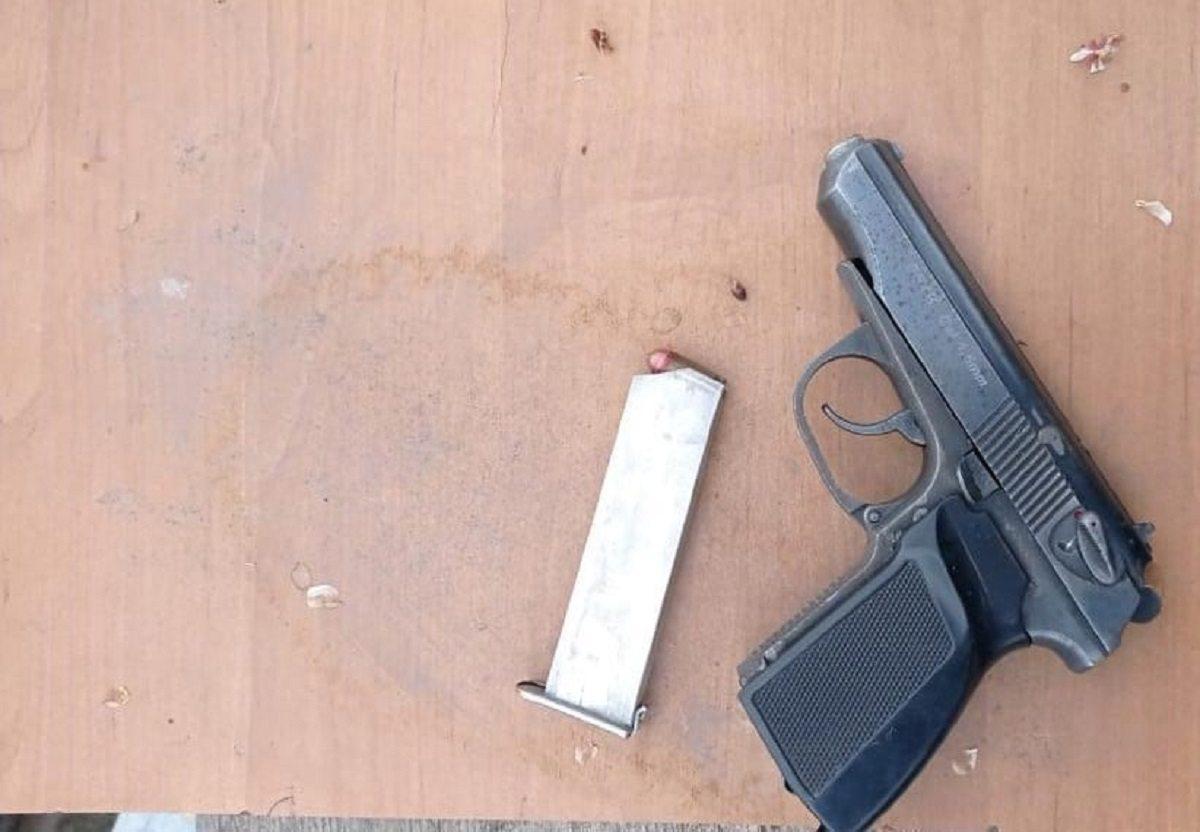 пистолет, голая пристань, патроны