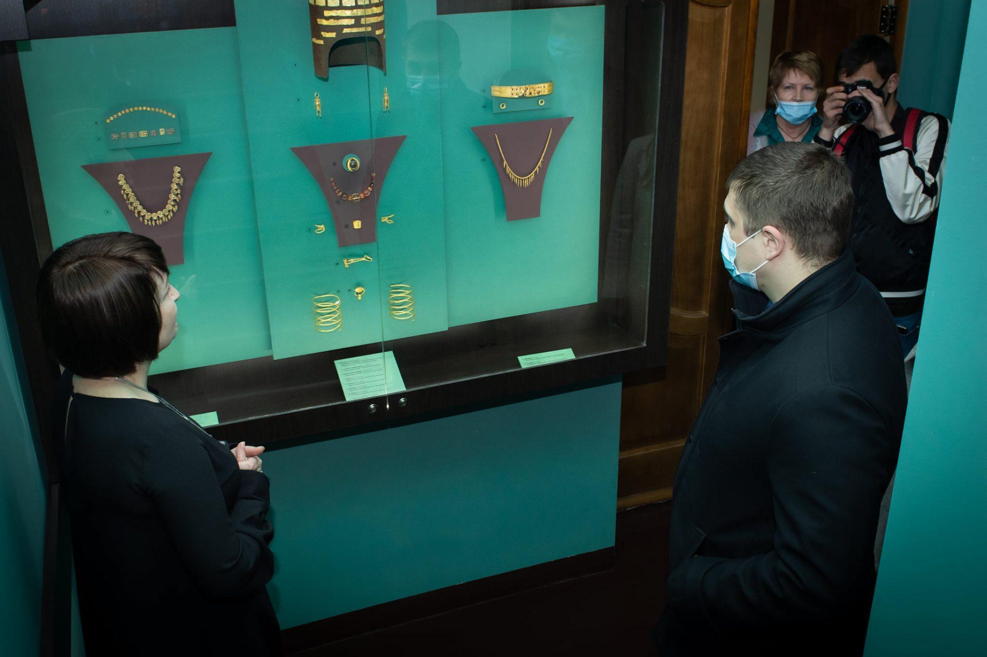 Херсонский краеведческий музей,Херсонская ОГА,выставка
