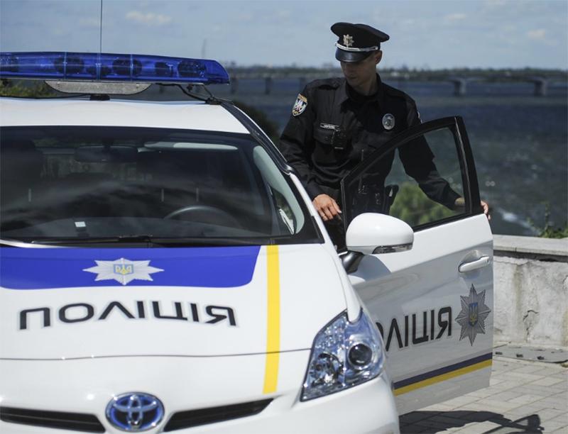 Дорожный патруль в Херсоне задержал уличного грабителя