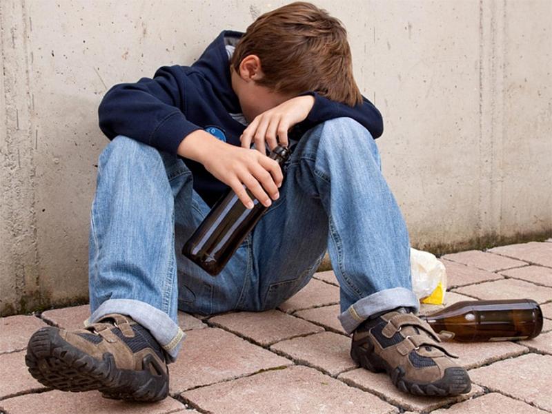 Пьяные малолетки добавили работы медикам на Херсонщине