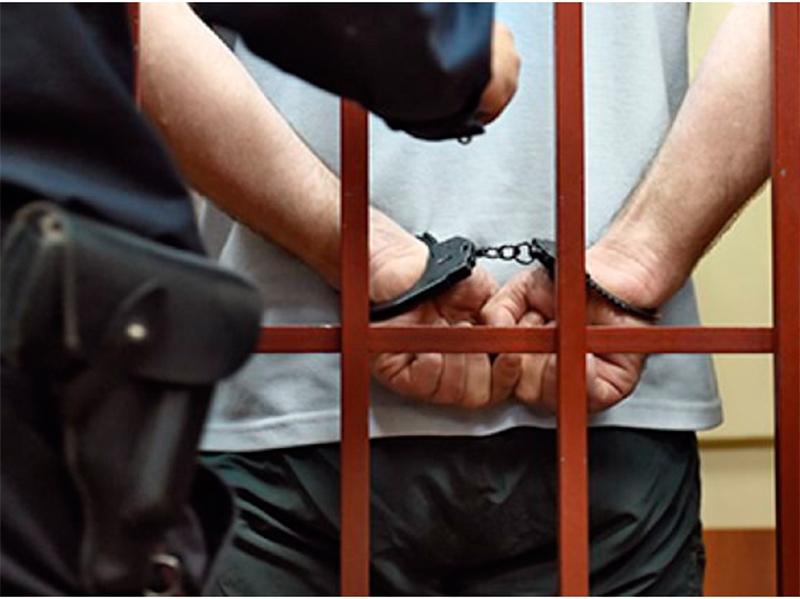 На Херсонщине суд арестовал депутата за попытку захвата оружия