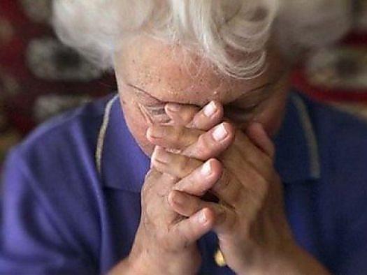 В Херсонській області скоєно розбійний напад на пенсіонерку у власному домі