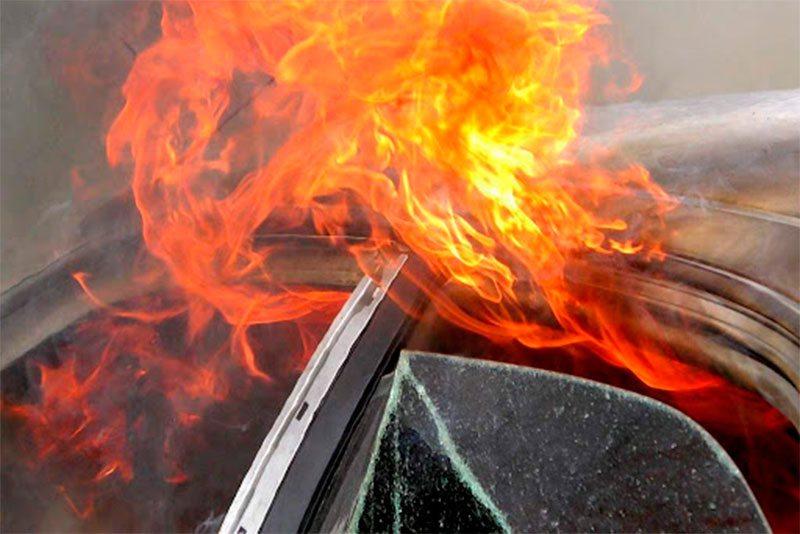 Дерзкий поджог машины на Херсонщине