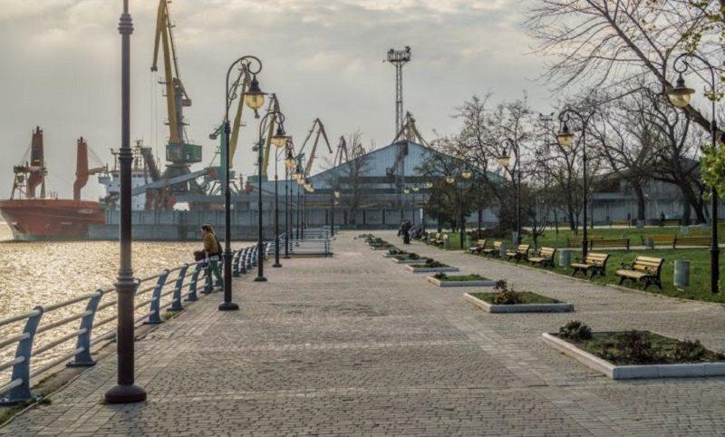 В Херсоне планируют расширить городскую набережную за счёт территории порта