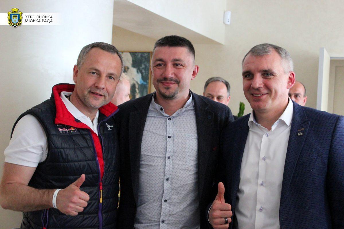 мери, співпраця, Сєнкевич, Колихаєв