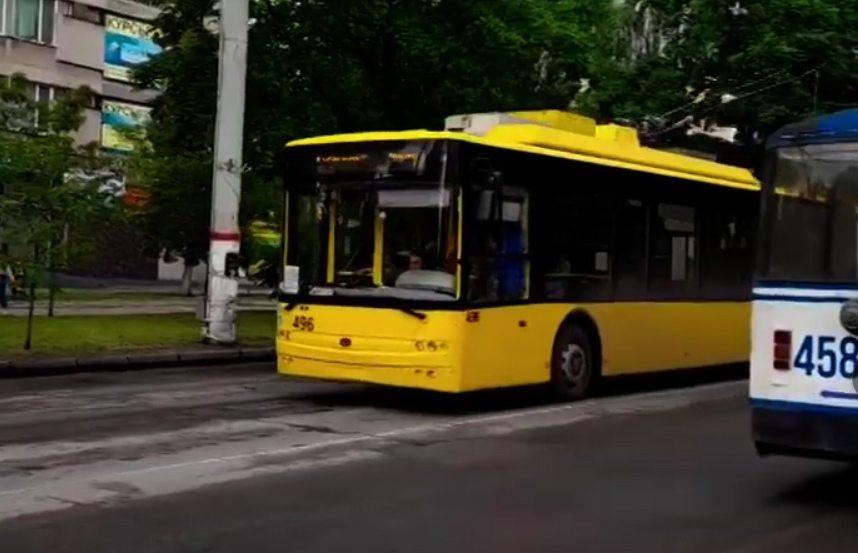 тролейбуси, нічна година