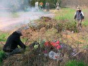 На Херсонщині кладовища прибирають аліментники