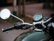 На Херсонщине пьяный муж наехал на супругу мотоциклом