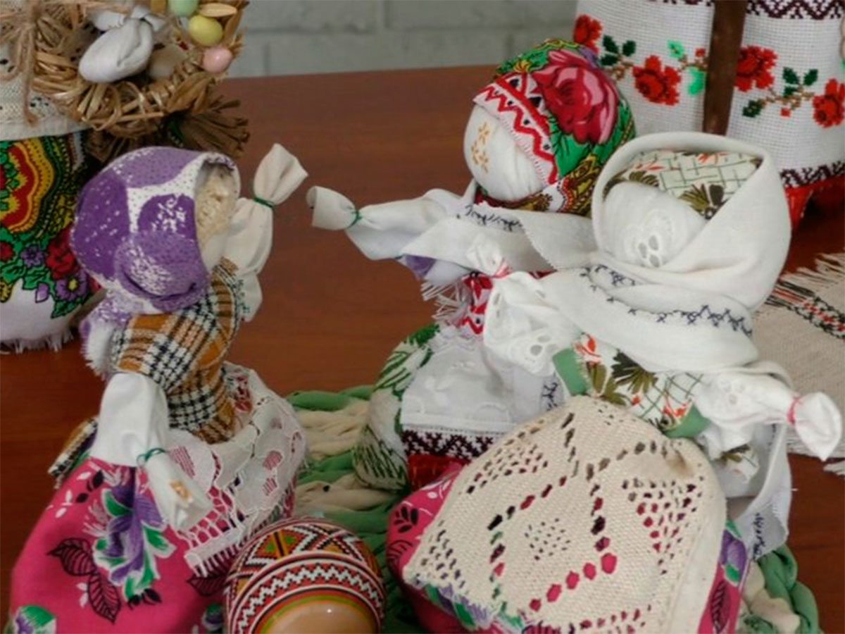 Нова Збур'ївка, ляльки, Бєляєва