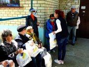На Херсонщині ветеранам та дітям війни вручили 10 тисяч подарунків