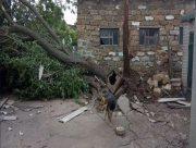 Разрушения после торнадо в поселке на Херсонщине