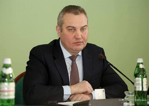 Путилов за повышение зарплаты для чиновников