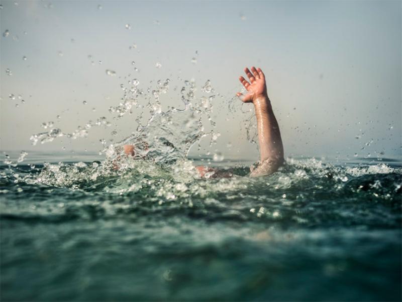 На курорте Херсонщины утонули двое детей и девушка