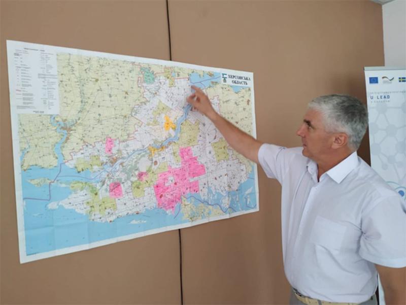 Децентралізація на Херсонщині: що гальмує об'єднання громад?