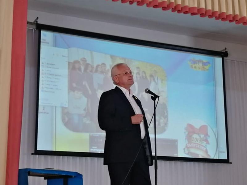 Співаковський закликав випускників бути локальними патріотами Херсона