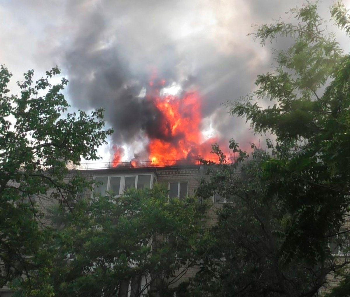 Сальдо лично оценил состояние сгоревшей крыши жилого дома в Херсоне