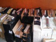 """В Херсоне правоохранители """"накрыли"""" склад контрафактных сигарет и алкоголя на 1 млн грн"""