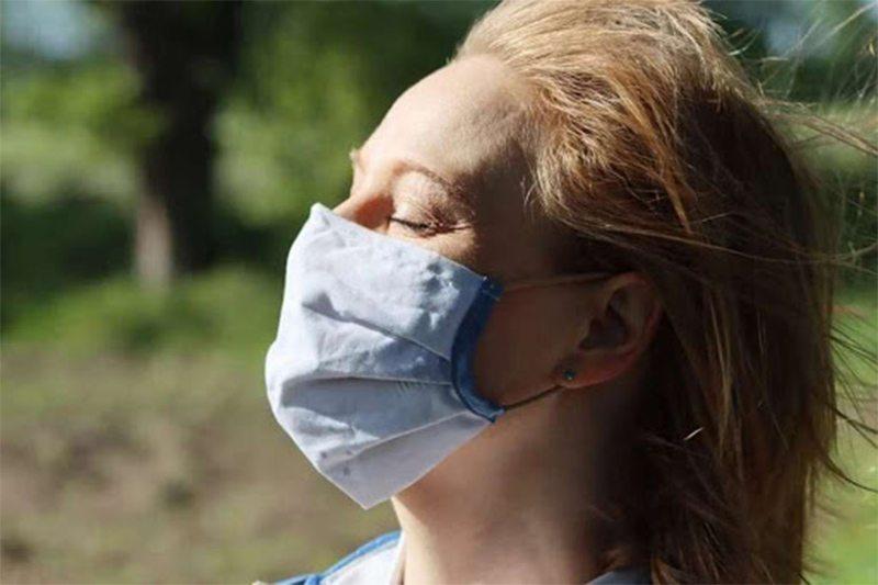 Как не задохнуться в защитной маске в жару