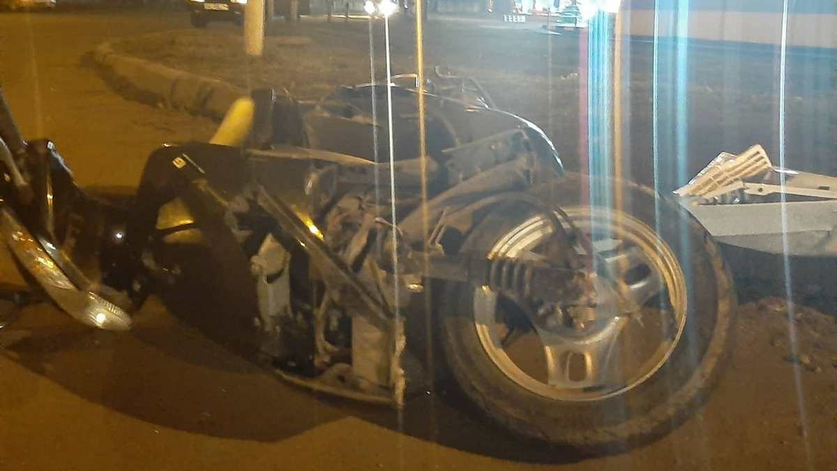 На Херсонщине автомобиль сбил подростка на мопеде