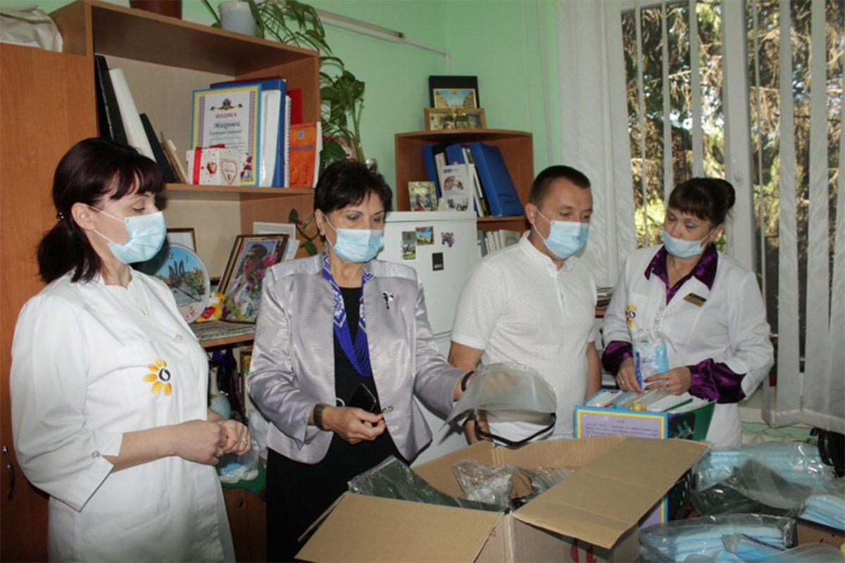 Голова Олешківської райради: Наш обов'язок  допомагати тим, хто бореться з коронавірусом