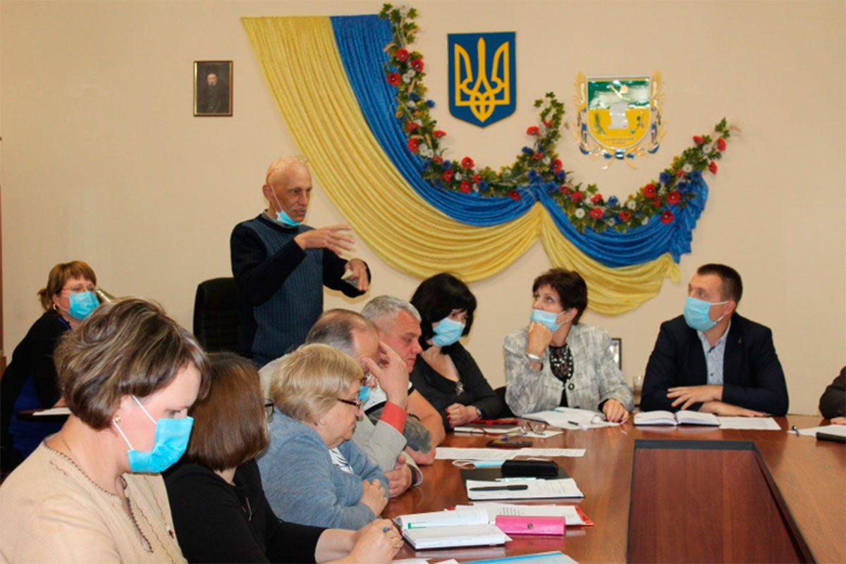 В Олешківській райраді розглянули питання реформування освіти